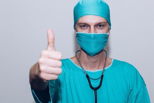 Do Surgeons Need Good Eyesight