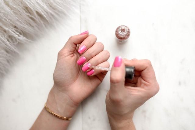 Can Doctors Wear Nail Polish